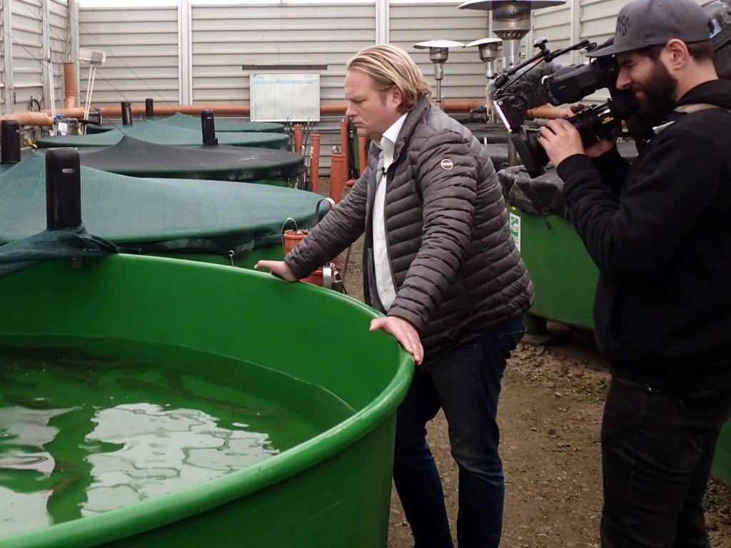 Vorkoster Björn Freitag am Lachszentrum Hasper Talsperre