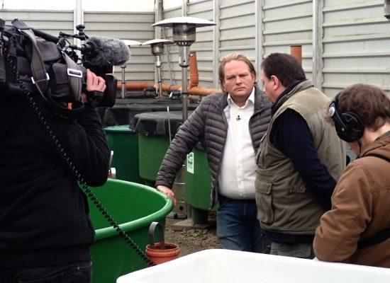 Björn Freitag am Lachszentrum Hasper Talsperre