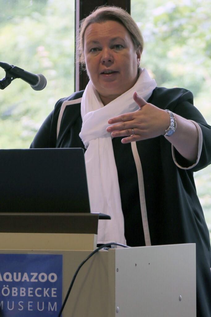 Umweltministerin und Ursula Heinen-Esser